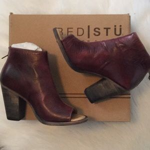 BED STU OPEN TOE SMOOTH LEATHER BOOTIE